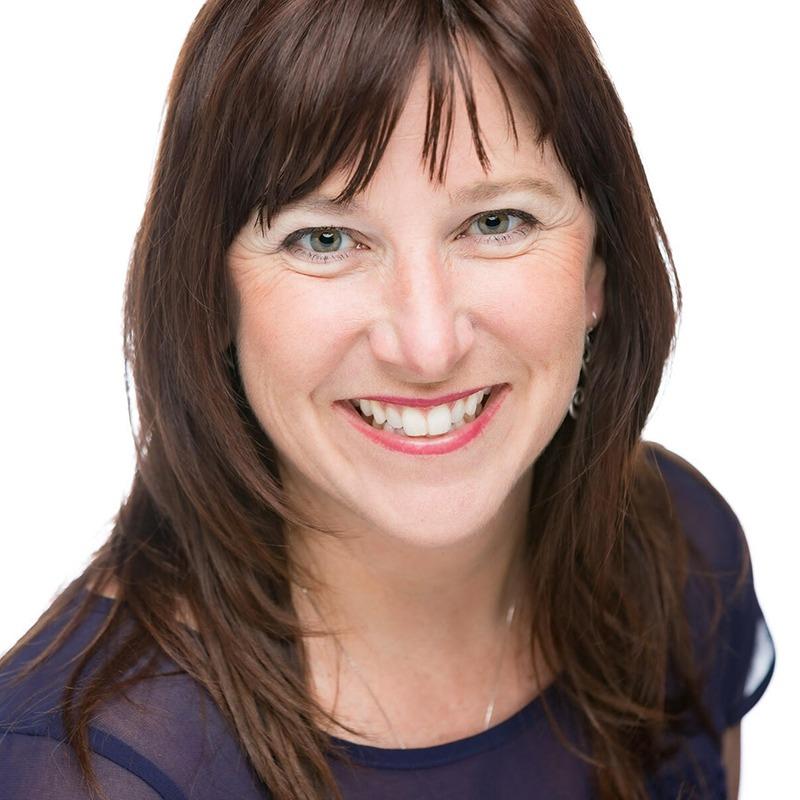 Angela Faye headshot